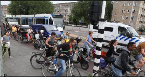 市民は自転車派が増加しているが・・