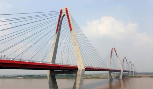 日越友好橋の建設事業も「適応事業」とアピール