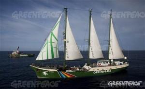 オランダからやってくるグリーンピースの「虹の戦士号」