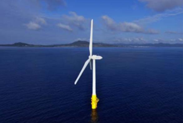 戸田建設が実証事業で設置したハイブリッドスパー型浮体式風力設備