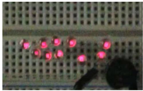 摩擦発電機で点灯したLED