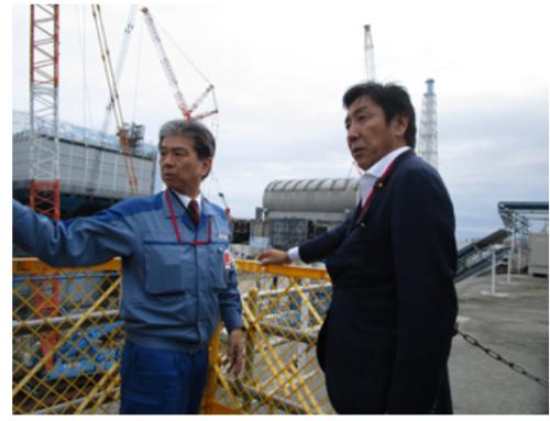 福島第一原発を視察した菅原経済産業相(9月18日)