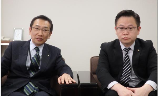 堀江部長(左)と西尾氏