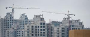 2012年8月18日に撮影されたこの写真では、内モンゴル自治区オルドス市での建設現場の様子が写っている。 | ED JONES via Getty Images