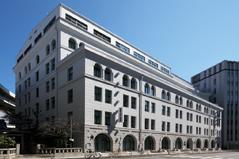 歴史的建造物としての価値も高い日証館ビル