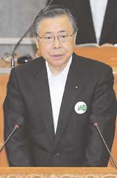 本会議で「脱原発」を表明する佐藤知事