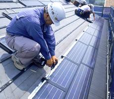 固定価格買取制度導入で急拡大する太陽光発電ビジネス