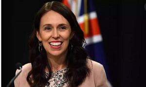 プラスチック袋全廃を宣言したニュージーランドのアーダーン首相