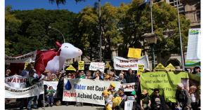クィーンズランド州での石炭プロジェクトに反対する住民たち