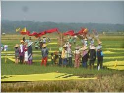 豊かな田園で石炭火力建設反対の声を上げる住民たち