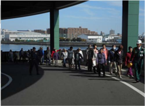 GLP横浜で実施された地域住民参加の避難訓練の様子
