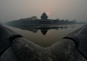 【メディア・報道関係・法人の方】写真購入のお問合せはこちら  . スモッグに覆われた中国・北京(Beijing)の紫禁城(Forbidden City、2013年12月7日撮影、資料写真)