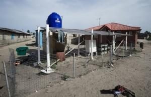 ナイジェリア、ラゴス州のビショップコドジ(Bishop Kodji)島に導入された太陽光発電システム。州政府が設置してから5年、いまはまったく機能していない。