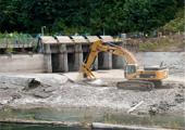 撤去作業が始まったワシントン州のエルワダム。