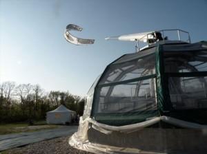 イタリアで開発された凧型風力発電機「カイトジェン(KiteGen)」。