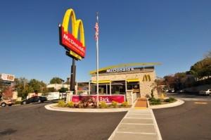 米マクドナルドなど大手外食チェーンが対応に追われている