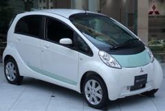 家庭用充電器にも使える電気自動車(三菱自動車:IMiEV)
