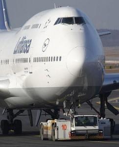フランクフルト空港のルフトハンザ機(2012年2月16日、独フランクフルト)