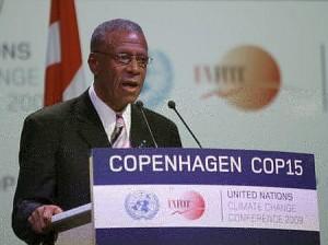 COP15で演説したグレナダのトーマス首相(09年12月18日、デンマーク・コペンハーゲン)