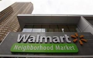 新設されたウォルマート店舗の表示看板(11年9月21日、米シカゴ)
